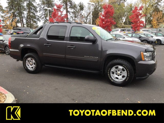 Pre Owned 2010 Chevrolet Avalanche Lt
