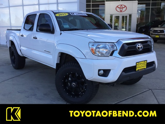 Pre-Owned 2015 Toyota Tacoma SR5