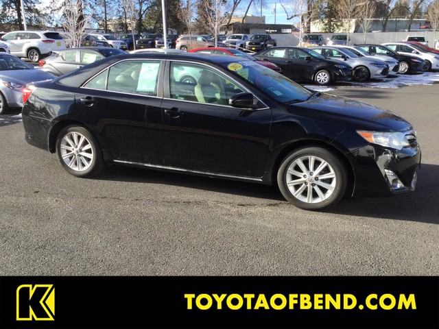 Pre-Owned 2012 Toyota Camry XLE